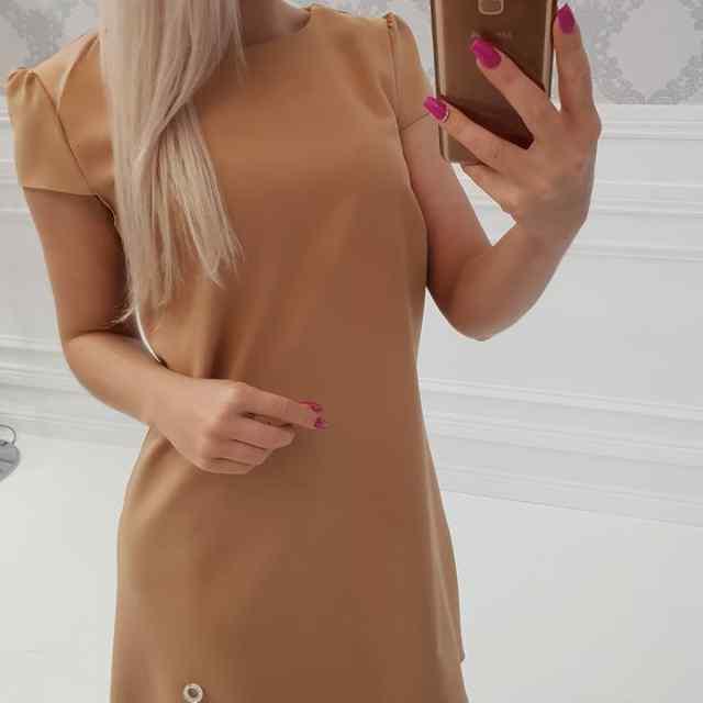 Pruunikas kvaliteetne A-lõikeline kleit
