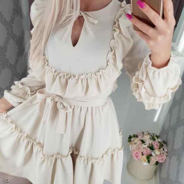 Helebeez kvaliteetne volangidega kleit