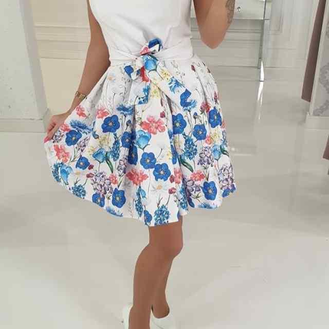 Valge puhvis seelikuosaga kleit, vöö eemaldatav(seotav), taskutega