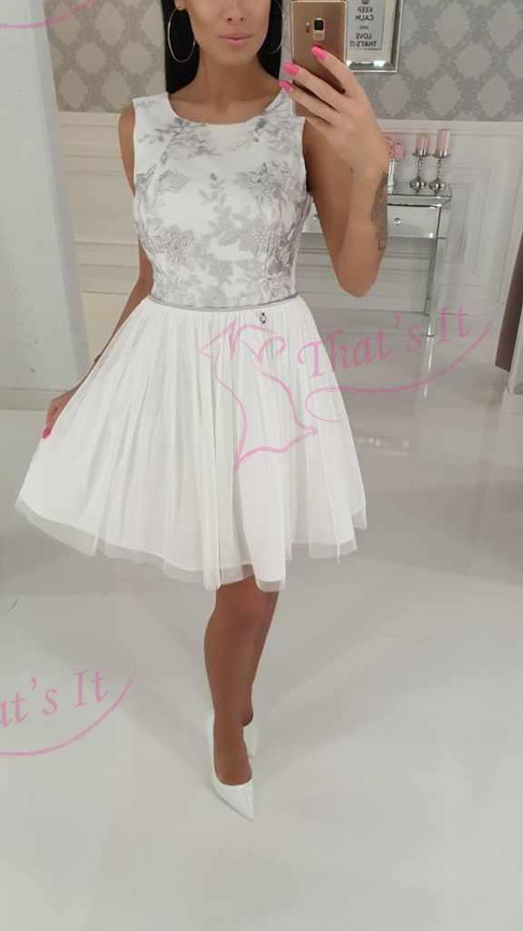 Kreemjas valge pidulik kleit, alt tülliga
