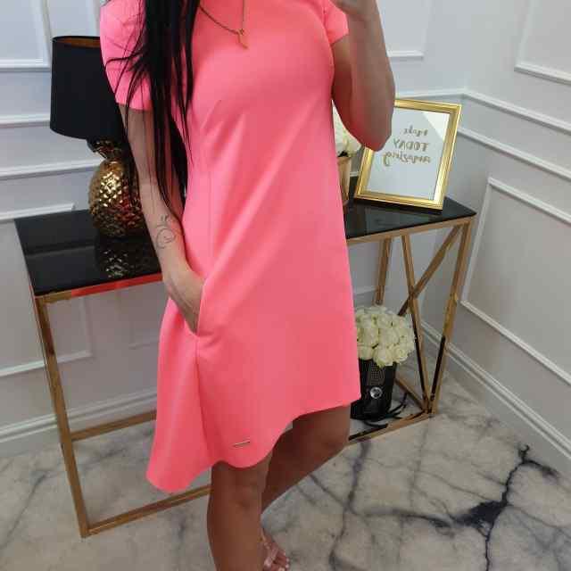 Pikem kvaliteetne A-lõikeline kleit