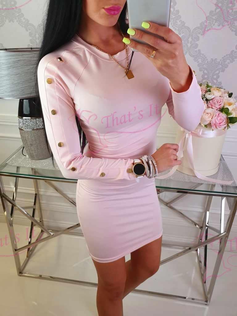 Libedast materjalist kleit