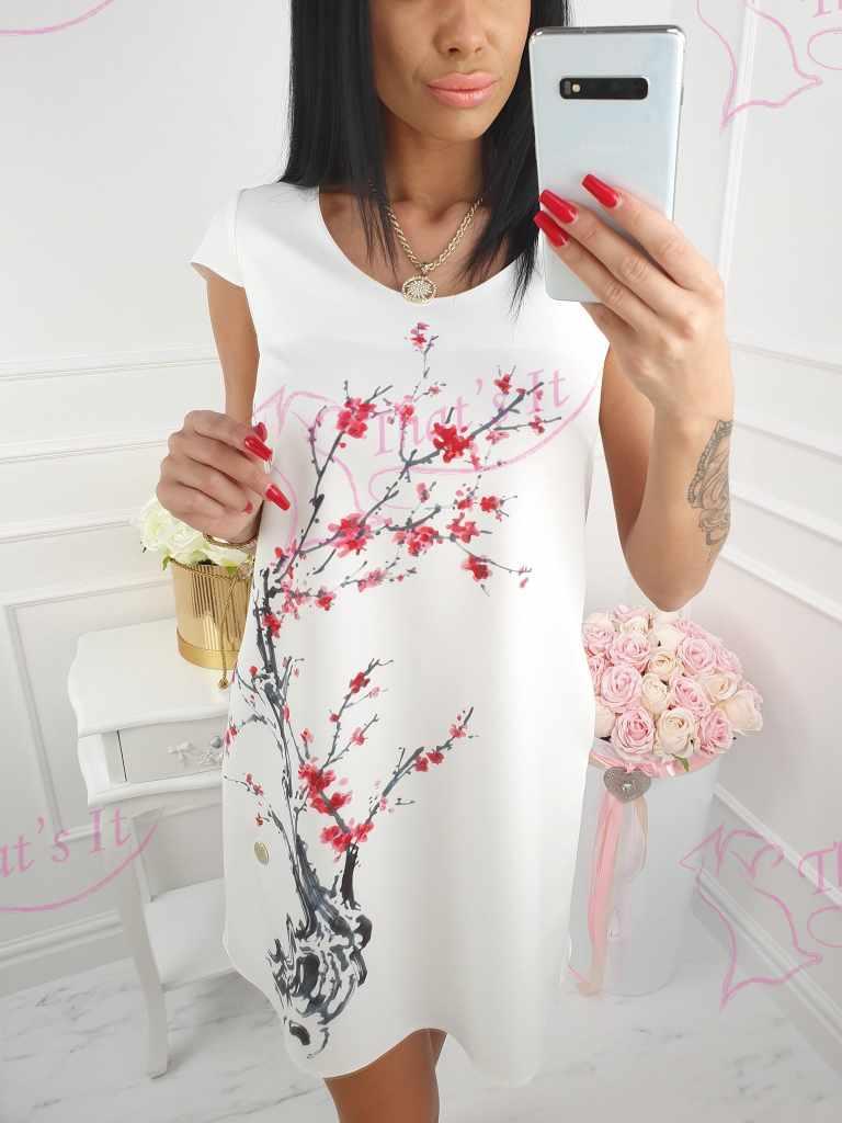 Kvaliteetne kleit taskutega