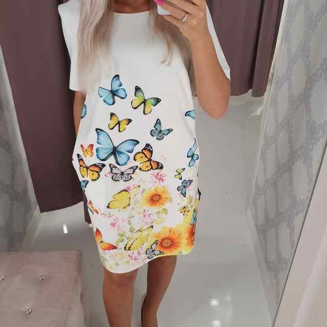 Kvaliteetne taskutega sirgelõikeline kleit