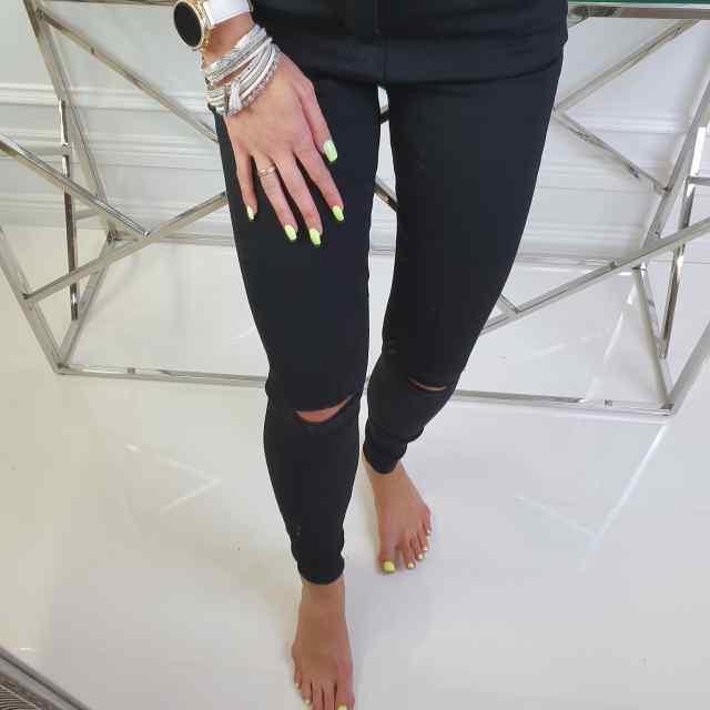 Pehmed ja stretchid teksased, lõhikuga