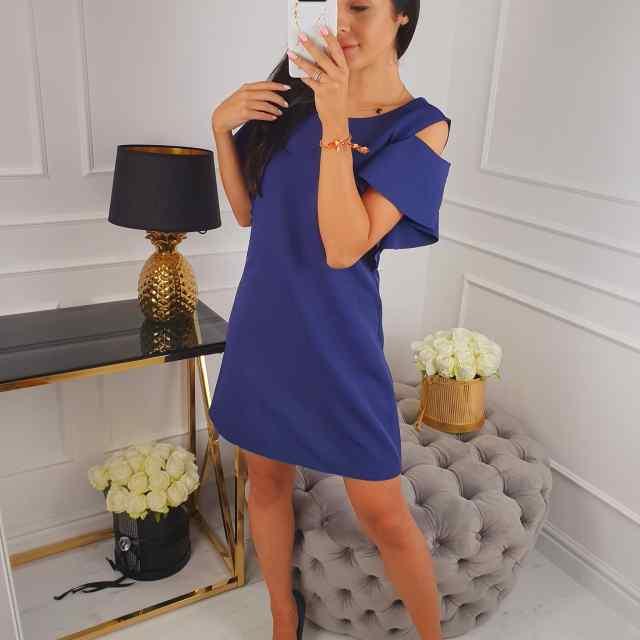 Kvaliteetne kleit avatud õlgadega