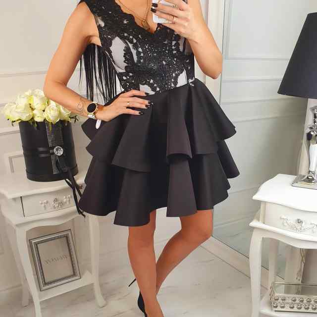 Kvaliteetne skater stiilis kleit, rinnaosa pitsist(aluskangaga).
