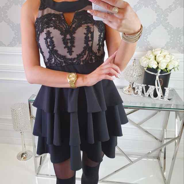 Kvaliteetne puhvis seelikusoaga kaunis kleit