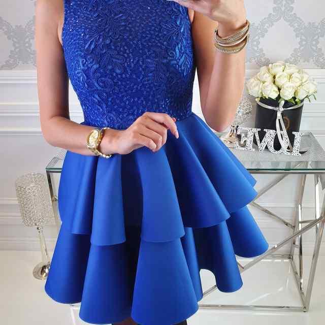 Kvaliteetne puhvis  seelikuosaga  pidulik kleit