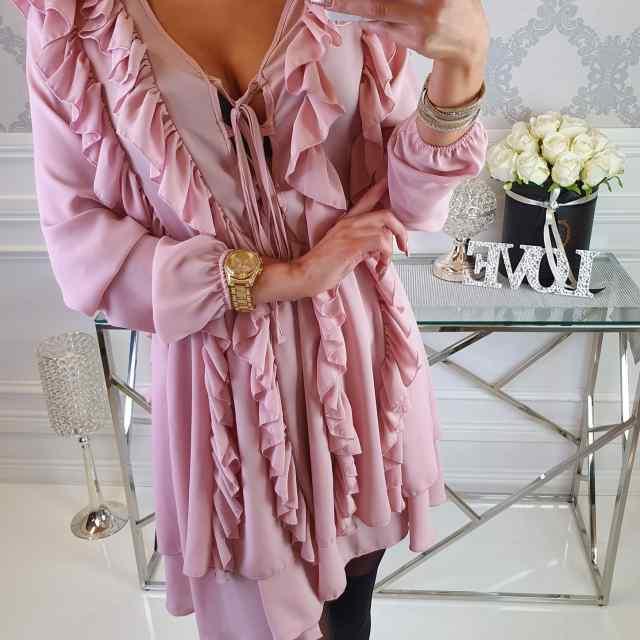 Kvaliteetne efektne volangidega sifoonist pidulik kleit