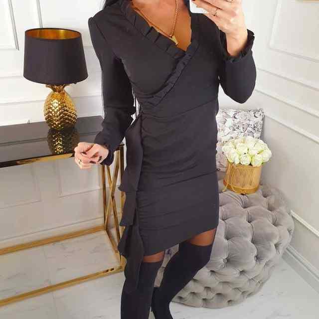 Kvaliteetne klassikaline pidulik kleit satsiga