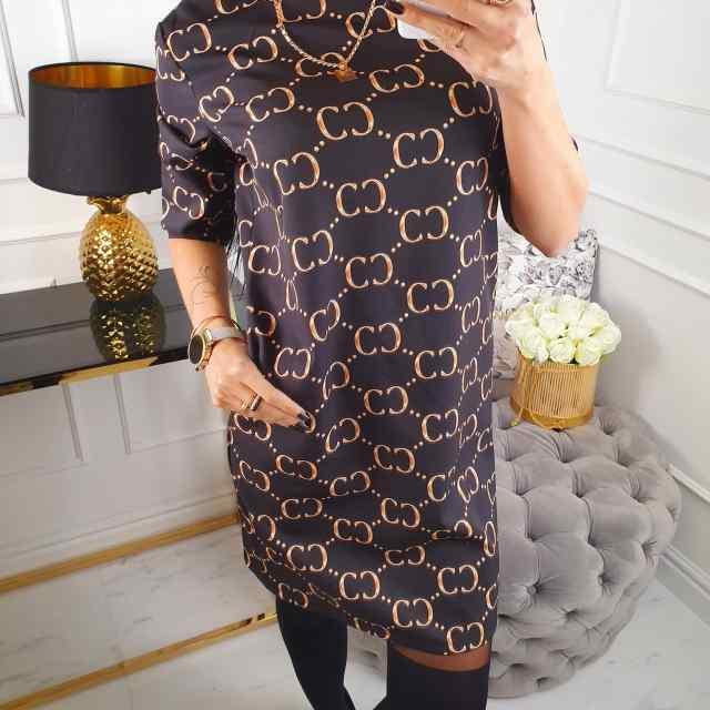 Taskutega kvaliteetne sirgelõikeline kleit