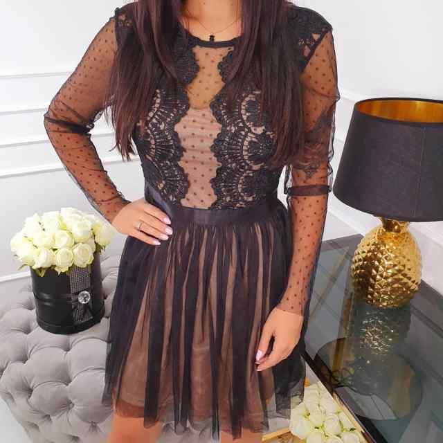 Kaunis tüllist seelikuosaga naiselik kleit, rinnal pitsist kaunistus