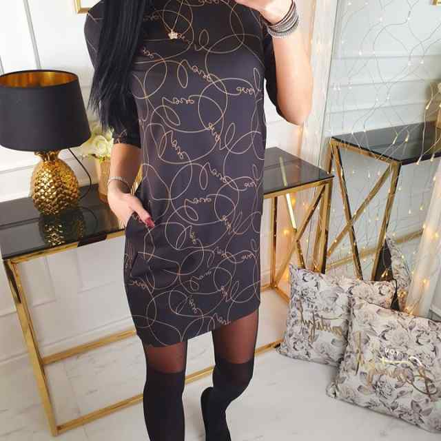 Taskutega naiselik sirge lõikega kleit
