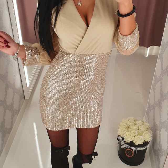 Naiselik V-kaelusega tüllist varrukatega kleit, seelikuosa glittritega