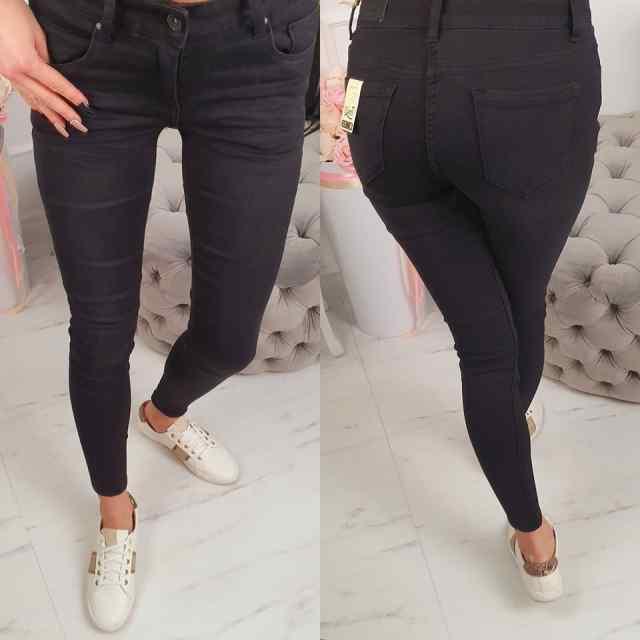 Kvaliteetsed klassikalised mustad strechid teksapüksid. Sobivad kuni 170cm pikale L3007