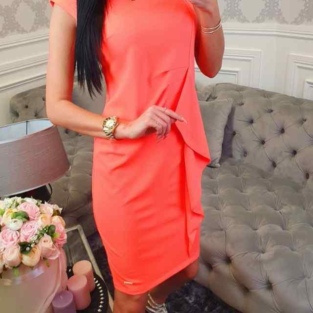 Kvaliteetne satsiga pikem kleit