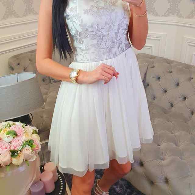 Armas kleit alt tülliga