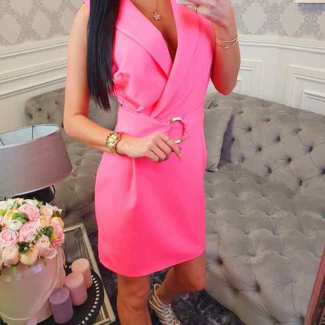 Kvaliteetne eest avaram ja keskelt vööga kleit
