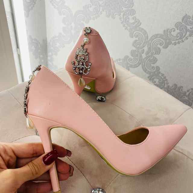 Tagant kaunistusega klassikalised kingad