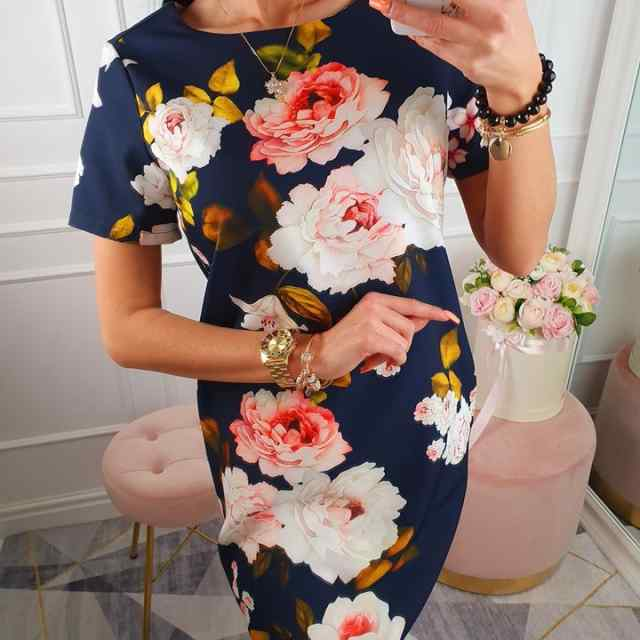 Pikem naiselik kleit