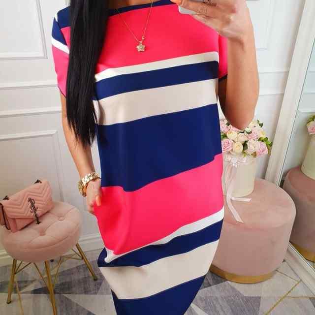 Sirge lõikega taskutega kleit
