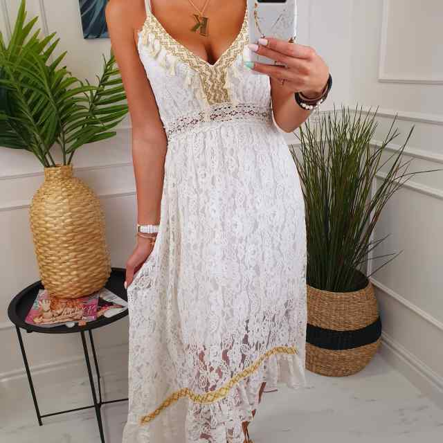 Romantilises stiilis armas kleit