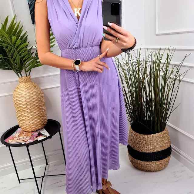 V-kaelusega plisseeritud pikem kleit aluskangaga