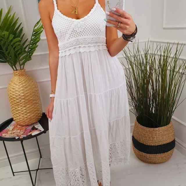 Pikem kleit, rinna osa ja all äär pitsiga kaunistatud