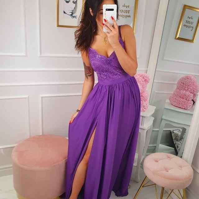 Pitsist ülaosaga kaunis kleit