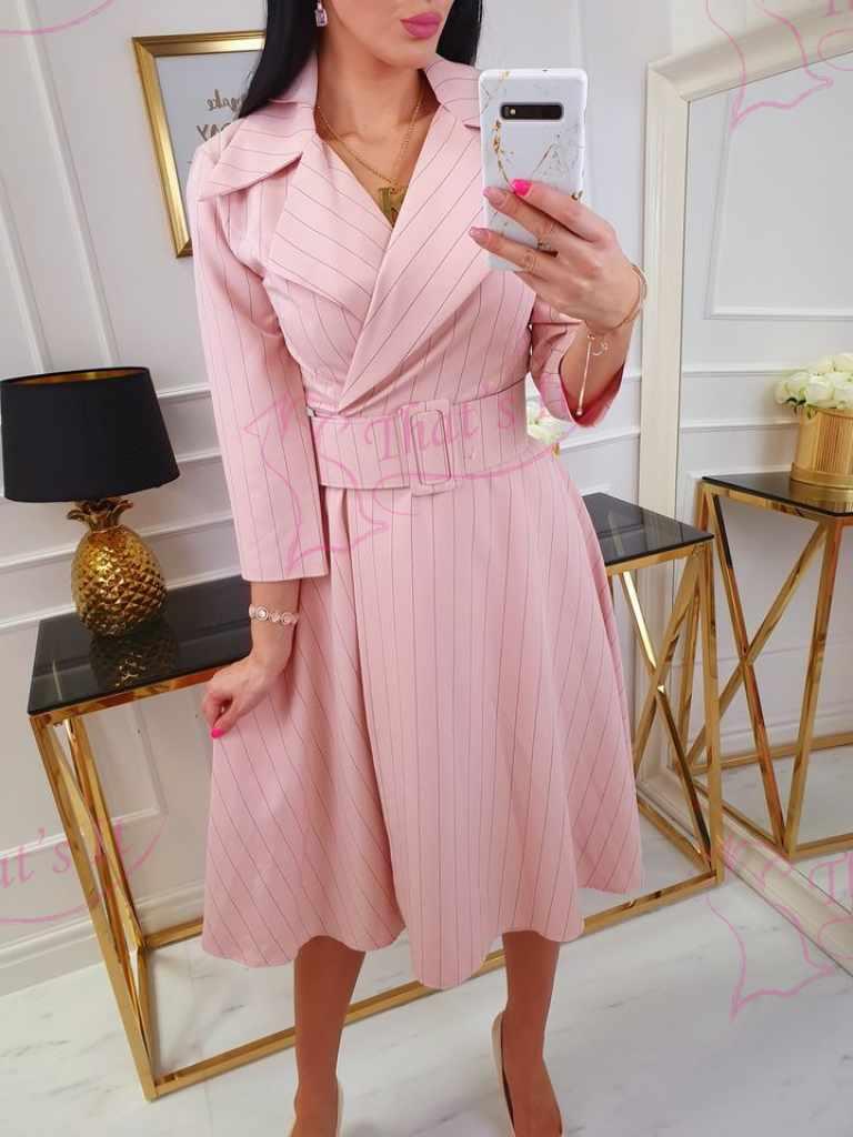 Kvaliteetne naiselik kleit vöö ja taskutega