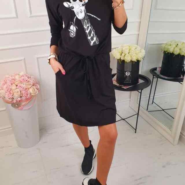 Vabama lõikega taskutega keskelt kummi ja paelaga reguleeritav kleit