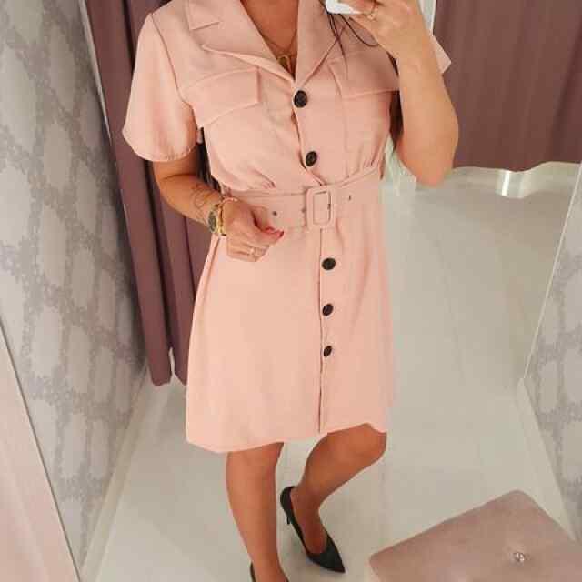 Vööga reguleeritav kleit, eest nööpidega