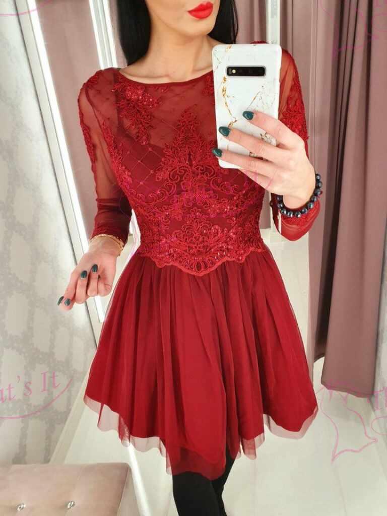 Kvaliteetne tüllist käiste ja seelikuosaga pidulik kleit