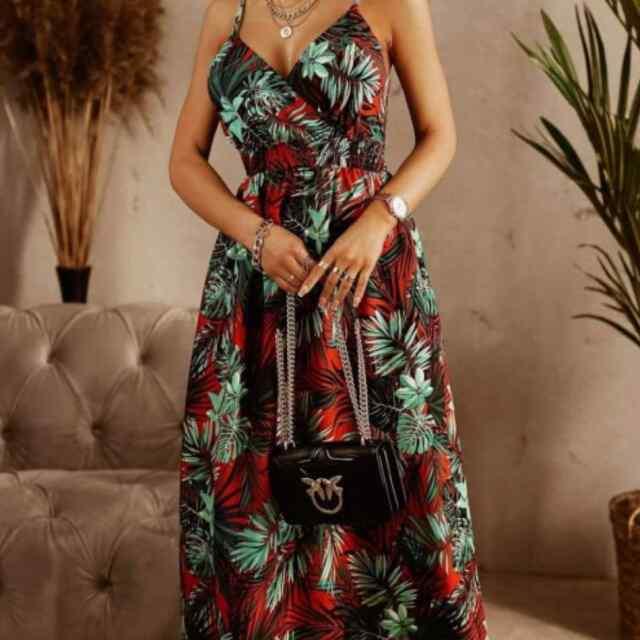Keskelt kummiga suvine pikem kleit