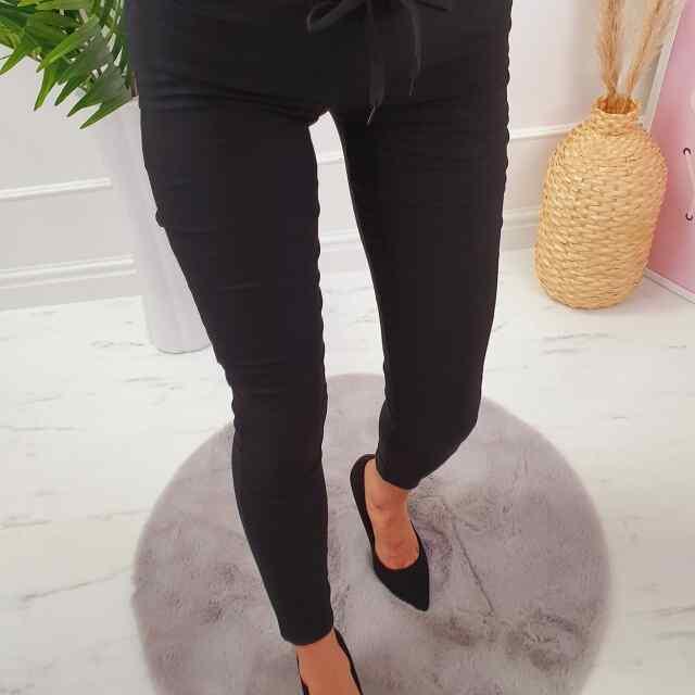 Eest paelaga reguleeritava püksid