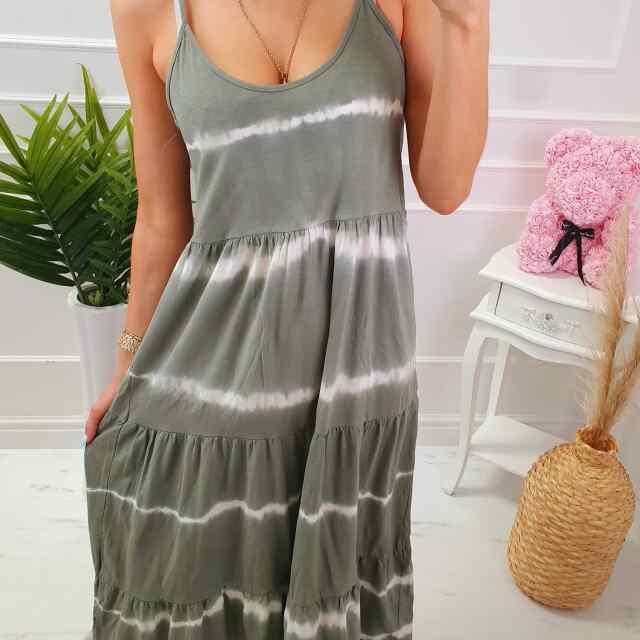 Langeva lõikega kleit
