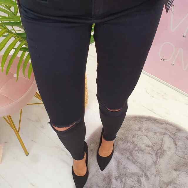 Kvaliteetsed põlvedelt lõhiksed teksapüksid