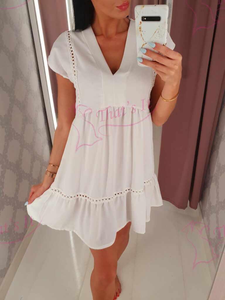 Lageva lõikega kleit