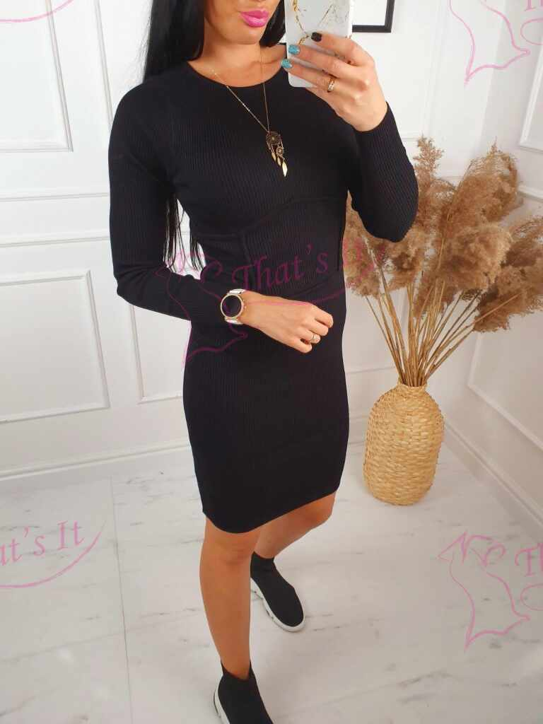 Soonikmaterjalist kvaliteetne kleit
